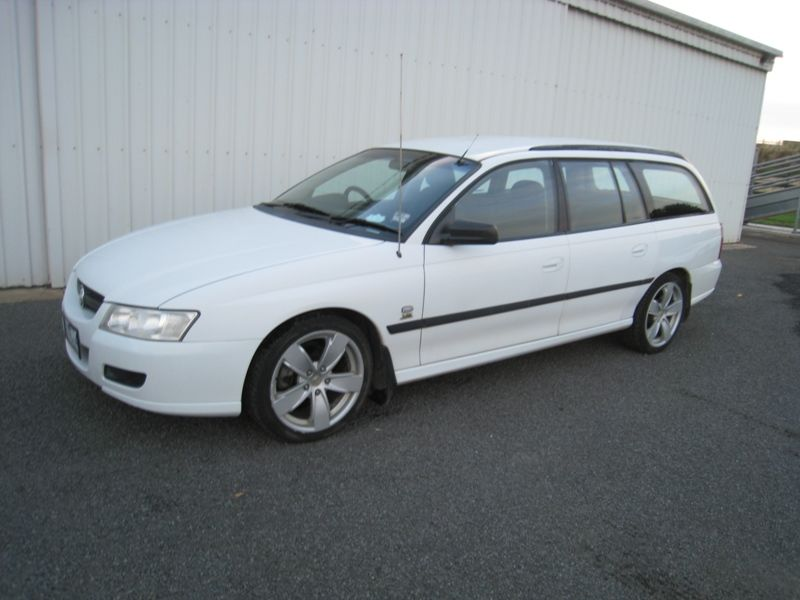 Holden VZ Commodore S/Wagon - 2004 | Cudgee Cars Pty Ltd