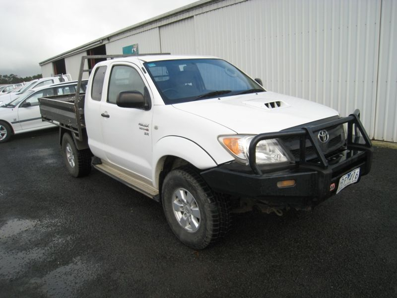 Toyota Hilux 4WD Space Cab  2005