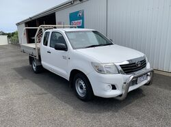 Toyota Hilux SR Space Cab 2WD - 2012